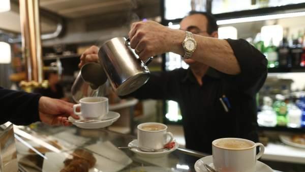 Ingresos en el sector servicios aumentan 2.6% en mayo