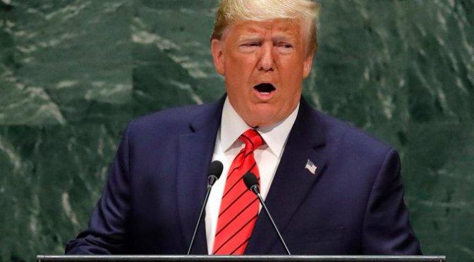 """Calificó Donald Trump de """"cacería de brujas"""" juicio político en su contra"""