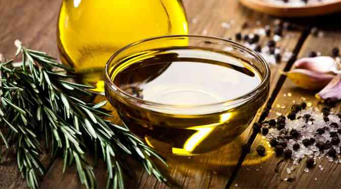 Mexicanos reutilizan aceite comestible a pesar de que no es recomendable