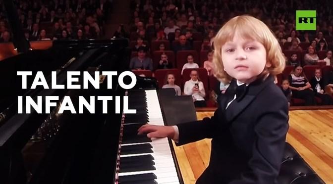 ¡Conozcan al pequeño y talentoso pianista Eliséi Mysin!