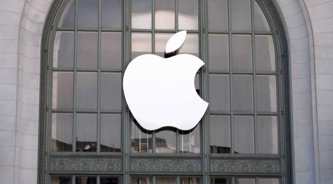 Multaron a Apple en Francia con mil 200 mdd por pactar precios