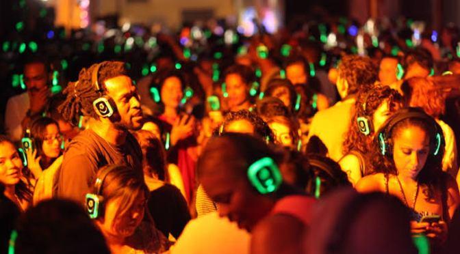 5 razones por las que tienes que vivir la experiencia de una Silent Party