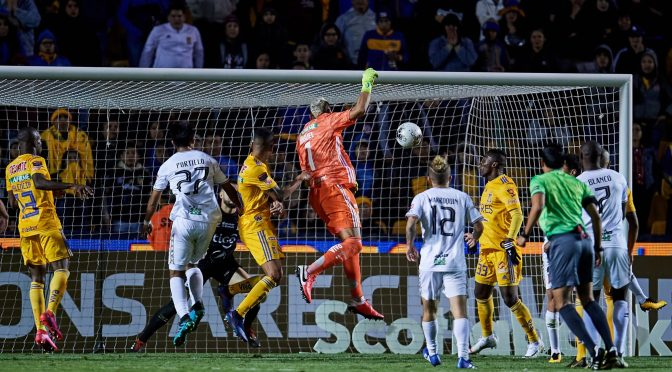 Nahuel impulsó a Tigres a cuartos de la Concachampions con agónico gol