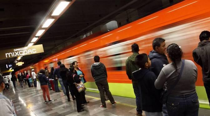 Estudio revela 10 mil bacterias peligrosas para los humanos en el Metro de la CDMX