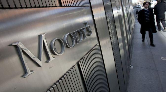 Moody's dice economía global está reviviendo, pero recuperación estará llena de baches