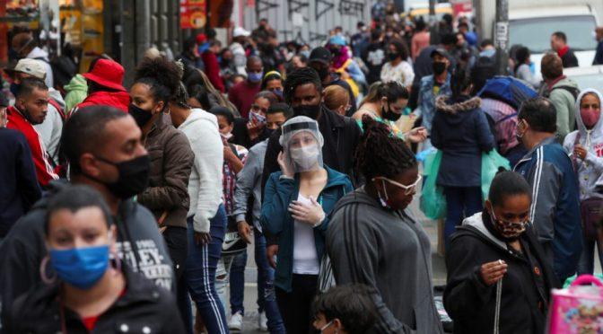 OMS reporta récord global de 284.000 contagios diarios de COVID-19