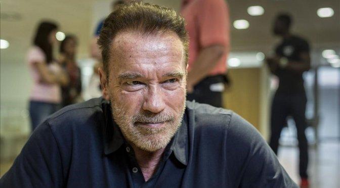 Schwarzenegger: usen fondos de estímulo en energías limpias