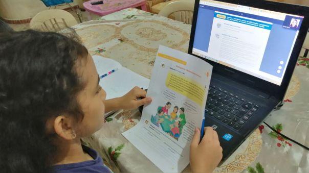 Campaña pone foco en acceso y riesgos de internet para las niñas de Latinoamérica