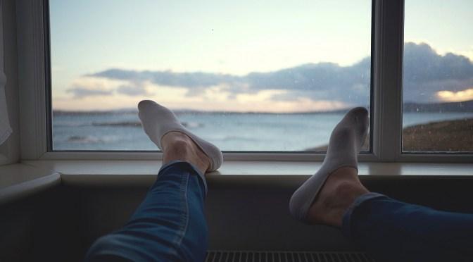 """¿Usar o no zapatos en casa durante la """"nueva normalidad""""?"""