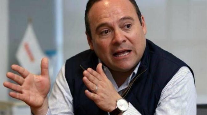 Alberto Uribe discrimina a morenistas; los tacha de 'grillos' e 'imbéciles'
