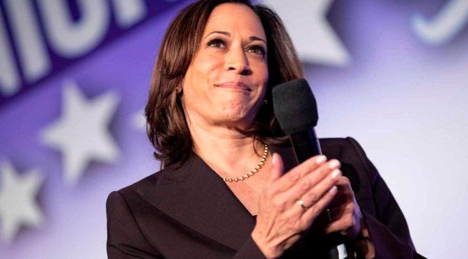 Kamala Harris abandona puesto en el Senado para ser vicepresidenta