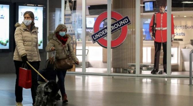 Johnson afirma que es probable un endurecimiento de las restricciones en Reino Unido