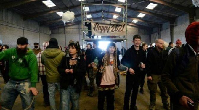 Policía francesa desaloja fiesta ilegal de 2,500 personas