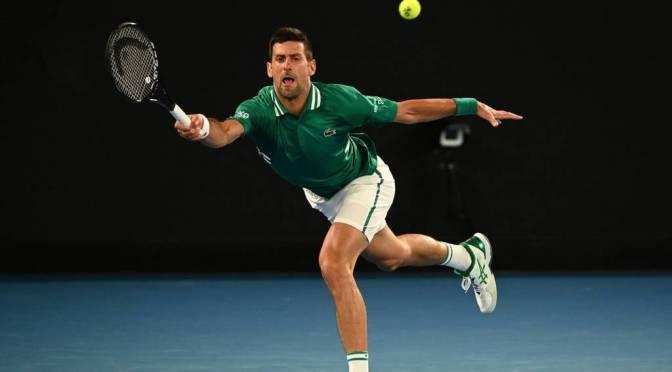 Djokovic admite lesión pero descarta retirarse del Abierto de Australia