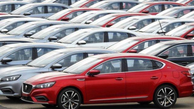 Ventas de automóviles alemanes caen un 30% en enero