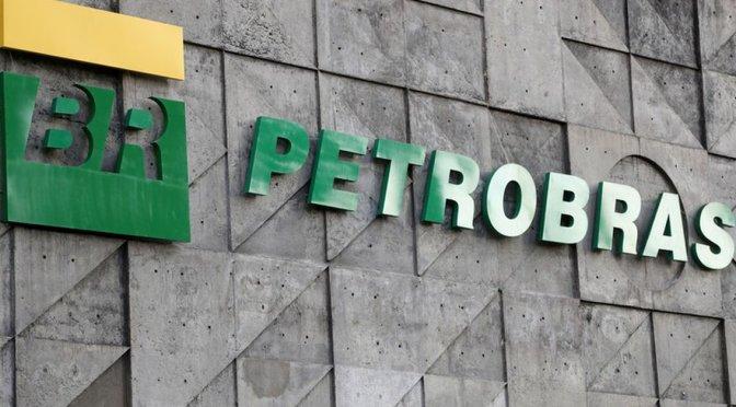 CEO de Petrobras resiste presión de Bolsonaro para renunciar