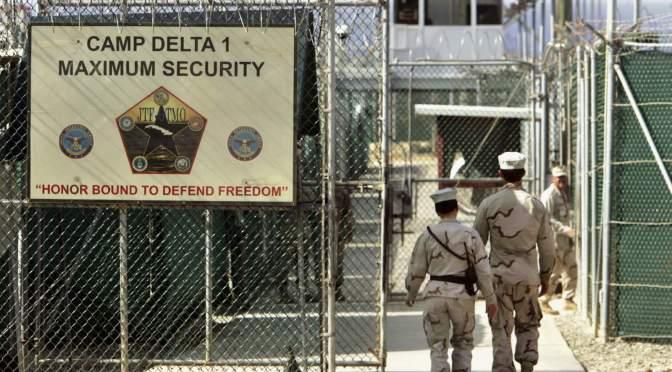 Biden lanza revisión de la prisión de Guantánamo, apunta a cerrarla antes de dejar el cargo