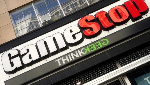 Acciones GameStop y Clover Health aumentaron en última jornada de la semana
