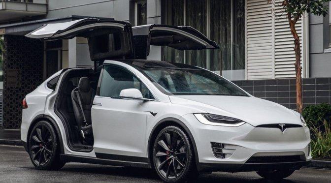 Tesla retirará mas 12,000 autos Model X por fallas en las molduras