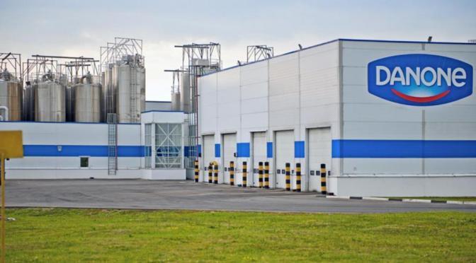 Acciones de Danone suben después de que se prepara para vender su participación en lácteos chinos