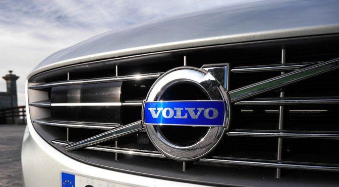 Acciones de Volvo caen un 7% después de advertir que la escasez de chips afectará a la producción