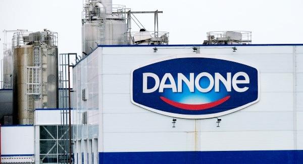 Acciones de Danone caen mientras una empresa francesa de alimentos busca un nuevo director general