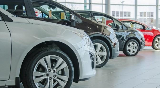Venta de autos sufre su mayor caída en 12 años