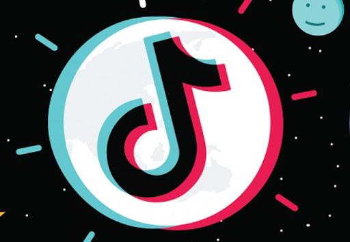TikTok considera introducir la función de chat grupal este año