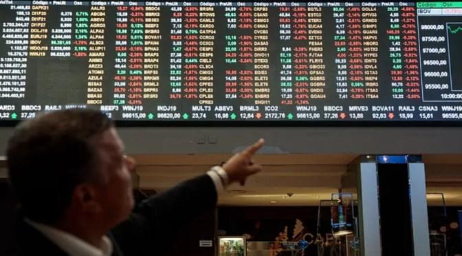Futuros caen después de que el S&P 500 y Dow Jones alcanzaran máximos