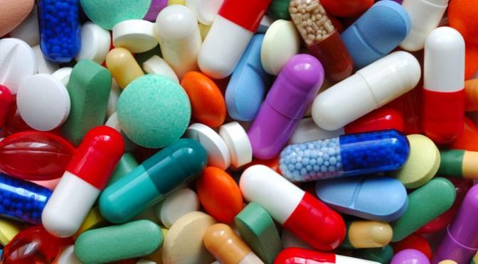 ¿Puedo tomar analgésicos antes o después de una vacuna COVID-19?