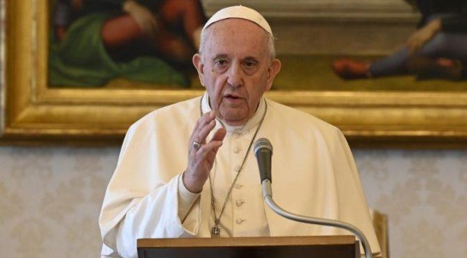 Papa Francisco crítica gasto de armas en tiempos de pandemia