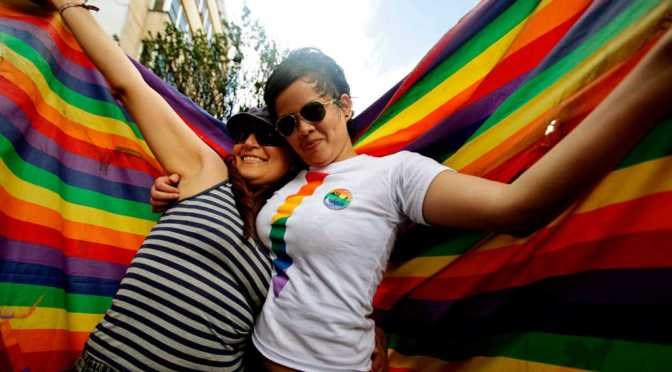 Mujeres alemanas protestan por postura vaticana sobre parejas gays