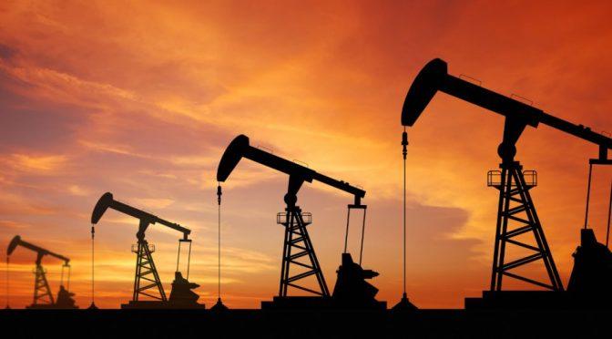 Petróleo se recupera gracias datos económicos sólidos