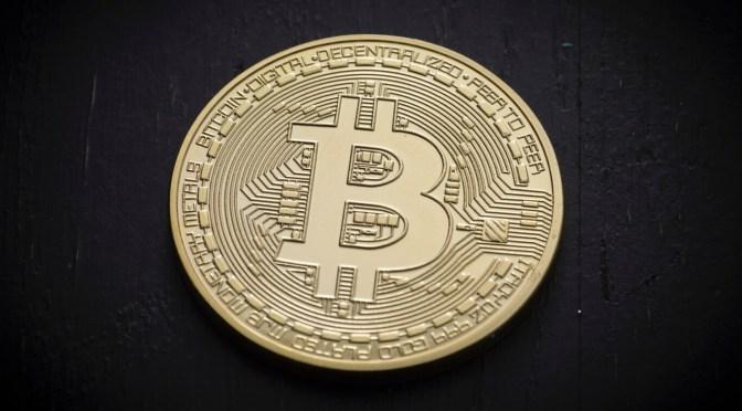 Bitcoin cae un 5.2% para situarse en 33,849 dólares
