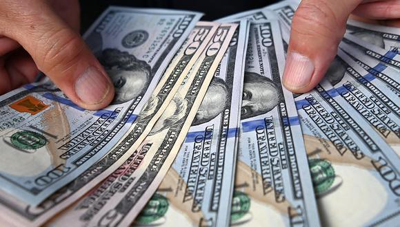 Dólar cae después de que la Fed hiciera declaraciones sobre la inflación