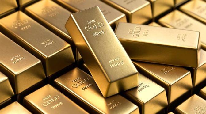 Oro aumenta a medida que el dólar retrocede