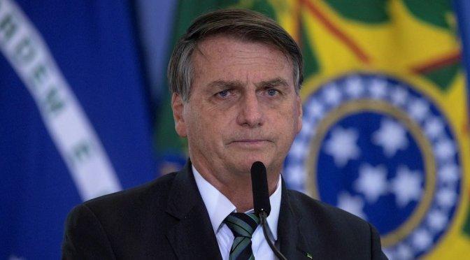Bolsonaro felicita a la policía por el operativo en favela pese a contar con 28 muertes