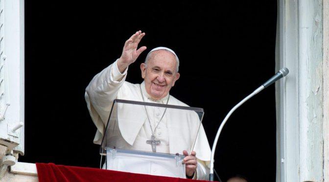 Papa Francisco invita a cristianos libaneses al Vaticano