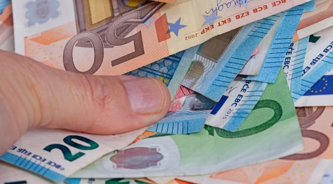 Rendimientos de los bonos de la zona del euro se mantuvieron estables en la primera jornada del mes