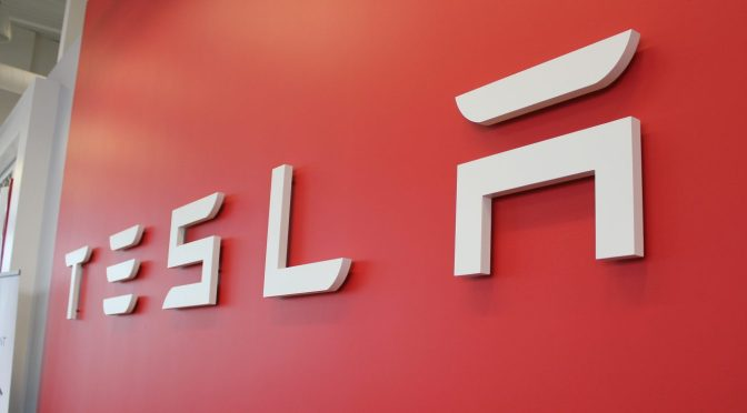 Tesla intensifica el compromiso con los reguladores chinos
