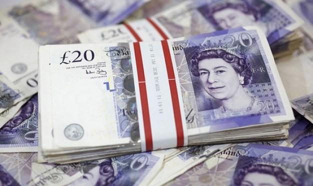 Libra esterlina cierra su cuarta semana de ganancias frente al dólar