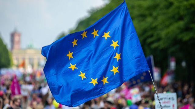 UE lanza un nuevo programa de bonos histórico para casi una demanda récord