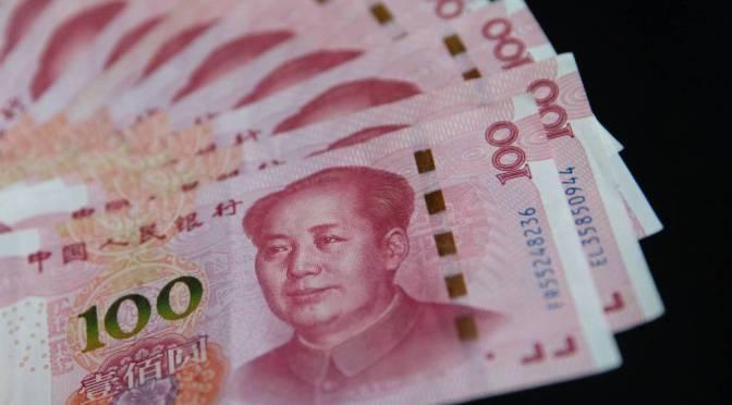Yuan se desliza después de una orientación más débil