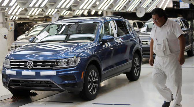 Planta de Volkswagen México reanudará la producción que fue golpeada por la escasez de chips