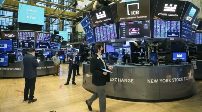 Wall Street se mantiene a la alza