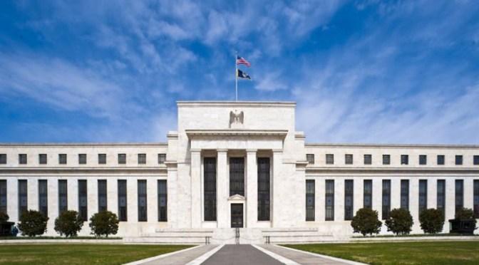 FED ha adelantado a 2023 su previsión de primera subida de tasas de interés; peso se presiona hacia $20.30