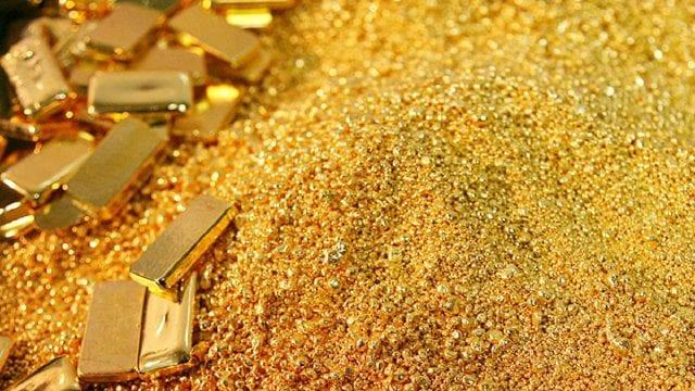 Precios del oro retroceden por primera vez en cinco meses
