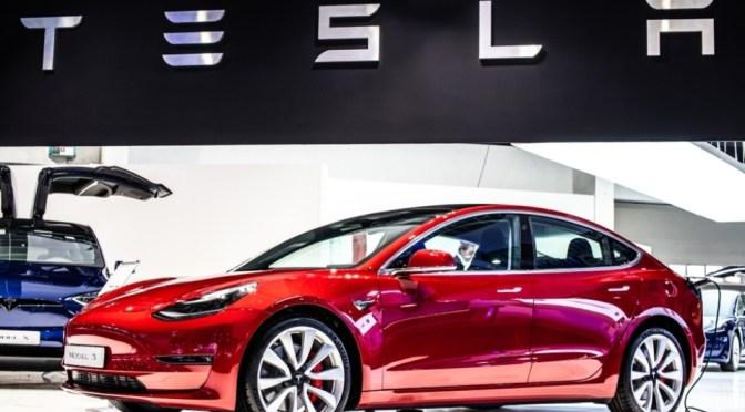Pedidos de Tesla caen casi a la mitad durante mayo en China