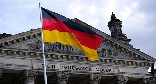 Economía alemana ha dejado atrás lo peor de la crisis de COVID: Altmaier