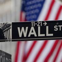 S&P 500 sube para acercarse a máximo histórico